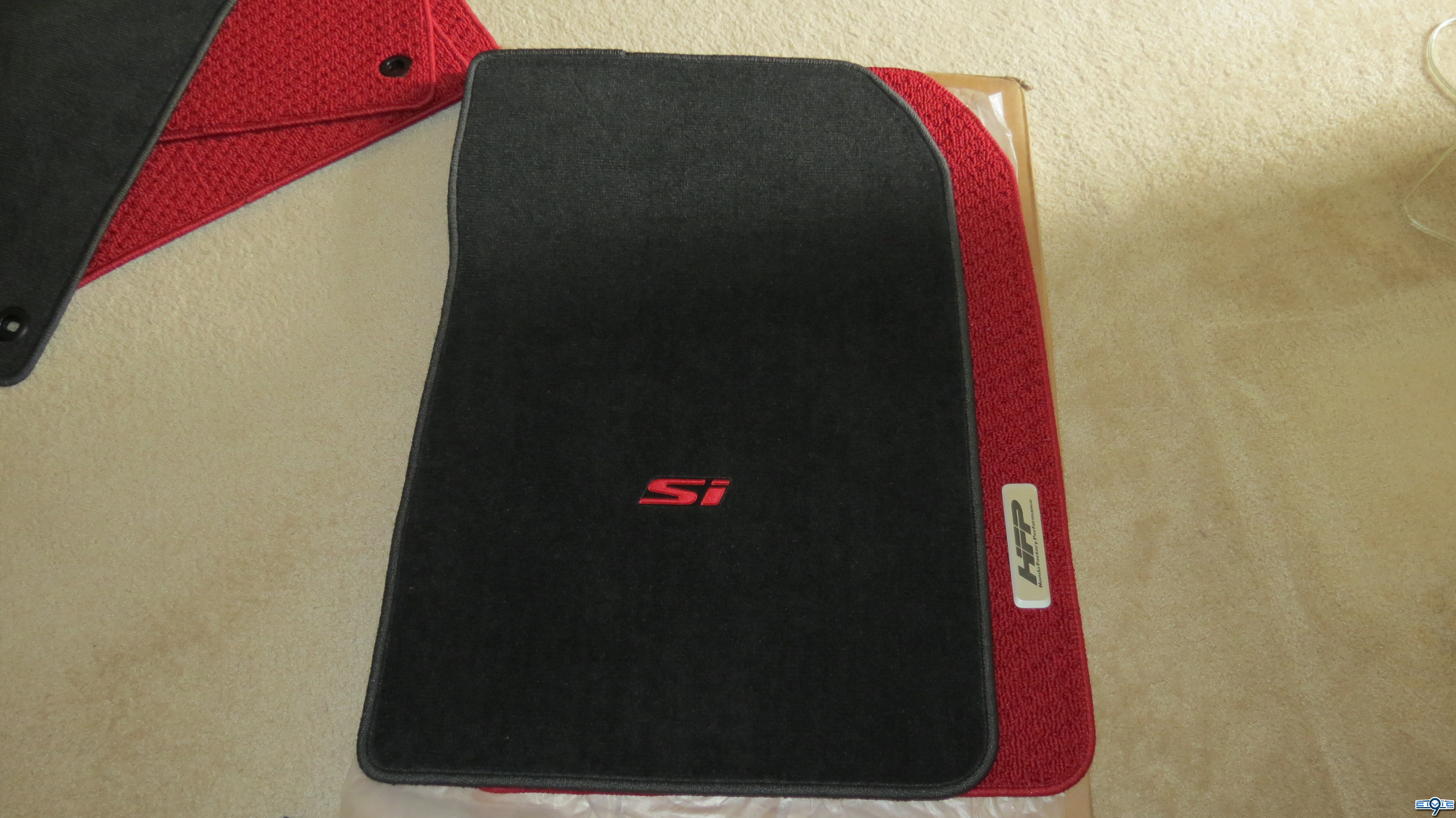 Floor mats for honda civic -  The Mats That Came With My Si And They Are Also More Plush Removable Plastic Protective Film Is Applied Over The Hfp Emblems Which Is Undoubtedly To